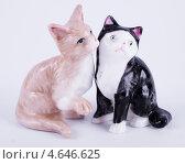 Купить «Сувенир. Фигурка Кошки», фото № 4646625, снято 12 мая 2013 г. (c) Литвяк Игорь / Фотобанк Лори