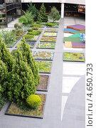 Купить «Внутренний дворик аэропорта Сочи», эксклюзивное фото № 4650733, снято 6 мая 2013 г. (c) Юрий Морозов / Фотобанк Лори