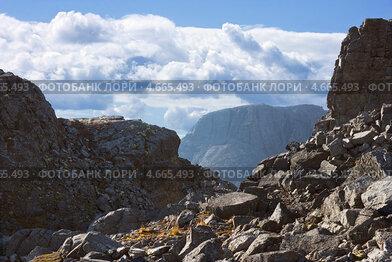 Купить «Перевал в Хибинских горах», фото № 4665493, снято 9 сентября 2010 г. (c) Александр Романов / Фотобанк Лори