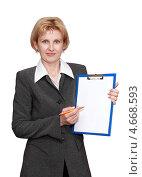 Женщина в деловом костюме с листом бумаги на планшете. Стоковое фото, фотограф Феликс Кучмакра / Фотобанк Лори
