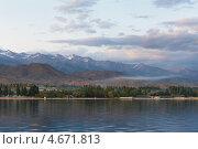 Купить «Закатный вид на озеро Иссык-Куль и горы Тянь-Шаня в Киргизии», эксклюзивное фото № 4671813, снято 26 мая 2012 г. (c) Николай Винокуров / Фотобанк Лори