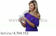 Купить «Woman throwing a large amount of cash in the air», видеоролик № 4704153, снято 18 июня 2019 г. (c) Wavebreak Media / Фотобанк Лори