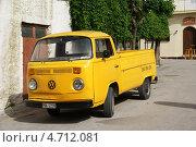 Купить «Грузовик», фото № 4712081, снято 16 мая 2012 г. (c) Илья Хаскин / Фотобанк Лори