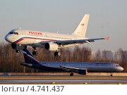 Заходящий на посадку А-319 (2012 год). Редакционное фото, фотограф Олег Пластинин / Фотобанк Лори