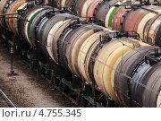 Купить «Железнодорожные цистерны», фото № 4755345, снято 27 апреля 2013 г. (c) EugeneSergeev / Фотобанк Лори