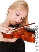 Купить «Юная светловолосая девушка вдохновенно играет на скрипке», фото № 4756665, снято 15 декабря 2012 г. (c) Андрей Попов / Фотобанк Лори