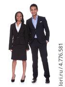 Купить «Пара молодых темнокожих бизнесменов в полный рост в студии», фото № 4776581, снято 9 марта 2013 г. (c) Андрей Попов / Фотобанк Лори