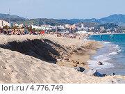Купить «Туристический пляж в Испании», фото № 4776749, снято 12 июня 2013 г. (c) Яков Филимонов / Фотобанк Лори