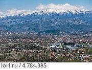 Купить «Столица Черногории, Подгорица на фоне гор», фото № 4784385, снято 14 апреля 2013 г. (c) Геннадий Соловьев / Фотобанк Лори