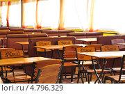 Купить «Летнее кафе», фото № 4796329, снято 19 мая 2013 г. (c) Терентьева Ольга Владимировна / Фотобанк Лори