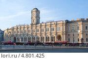 Купить «Московский вокзал ранним утром. Санкт-Петербург», эксклюзивное фото № 4801425, снято 27 июня 2013 г. (c) Александр Щепин / Фотобанк Лори