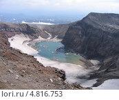 Камчатка. Озеро в кратере вулкана Горелого. Стоковое фото, фотограф Евгений Осадчий / Фотобанк Лори