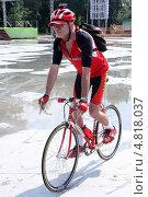 Велосипед (2013 год). Редакционное фото, фотограф виктор антонов / Фотобанк Лори