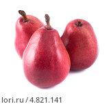 Купить «Три красные груши», фото № 4821141, снято 25 июня 2013 г. (c) Литвяк Игорь / Фотобанк Лори
