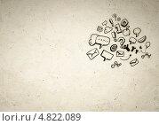 Купить «Светлый фон с рисунками на тему смс-сообщений и электронной почты», фото № 4822089, снято 17 января 2020 г. (c) Sergey Nivens / Фотобанк Лори