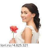 Купить «Молодая красивая женщина с нежными цветами», фото № 4825321, снято 2 марта 2013 г. (c) Syda Productions / Фотобанк Лори
