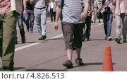 Люди идут по городу. Стоковое видео, видеограф Данил Руденко / Фотобанк Лори