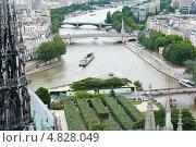 Купить «Вид на Париж с собора Нотр-Дам-де-Пари», фото № 4828049, снято 25 июня 2013 г. (c) Екатерина Овсянникова / Фотобанк Лори