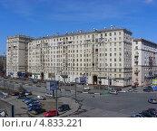 Купить «Улица Хамовнический Вал, 2, Москва», эксклюзивное фото № 4833221, снято 22 апреля 2011 г. (c) lana1501 / Фотобанк Лори