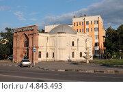 Купить «Владикавказ, шиитская (персидская) мечеть. Северная Осетия», эксклюзивное фото № 4843493, снято 5 июля 2013 г. (c) Ирина Водяник / Фотобанк Лори