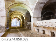 Купить «Конюшни в подземелье замка Сан Ферран. Испания», фото № 4858089, снято 2 июля 2013 г. (c) Яков Филимонов / Фотобанк Лори