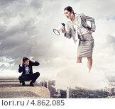 Купить «Мужчина перед орущей начальницей в страхе прикрыл голову руками», фото № 4862085, снято 24 февраля 2011 г. (c) Sergey Nivens / Фотобанк Лори