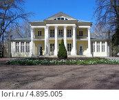 Купить «Летний дом графа Орлова, Нескучный сад, Москва», эксклюзивное фото № 4895005, снято 2 мая 2013 г. (c) lana1501 / Фотобанк Лори