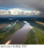 Купить «Река в сельской местности, вид сверху», фото № 4902157, снято 23 июля 2013 г. (c) Владимир Мельников / Фотобанк Лори