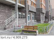 Придомовая территория. Стоковое фото, фотограф Лика Чекалова / Фотобанк Лори