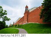 Купить «Вид на оружейную башню кремля», фото № 4911281, снято 19 августа 2018 г. (c) Triff / Фотобанк Лори