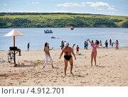 На пляже (2012 год). Редакционное фото, фотограф Александр Журавлев / Фотобанк Лори