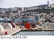 Порт Хайфа, Израиль, промышленная зона (2013 год). Редакционное фото, фотограф Наталия Пылаева / Фотобанк Лори