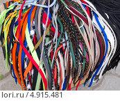 Купить «Шнурки на прилавке», фото № 4915481, снято 5 июня 2013 г. (c) Вячеслав Палес / Фотобанк Лори