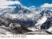 Купить «Гора Ама Даблам. Трек к базовому лагерю Эвереста», фото № 4919925, снято 11 апреля 2013 г. (c) Оксана Гильман / Фотобанк Лори