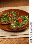 Купить «Итальянские сэндвичи с песто», фото № 4927005, снято 2 июля 2011 г. (c) ElenArt / Фотобанк Лори