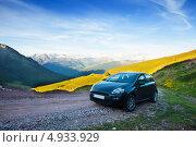 Купить «Черный автомобиль на перевале в Пиренеях», эксклюзивное фото № 4933929, снято 3 июля 2013 г. (c) Яков Филимонов / Фотобанк Лори