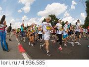 Купить «Участники массового забега Adidas energy run на спортивном фестивале Moscow City Games 2013», фото № 4936585, снято 13 июля 2013 г. (c) Pukhov K / Фотобанк Лори