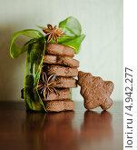 Рождественское печенье на столе. Стоковое фото, фотограф Надежда Бобкова / Фотобанк Лори