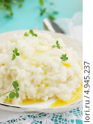 Купить «Рисовая каша с орегано», фото № 4945237, снято 21 июня 2013 г. (c) Юлия Маливанчук / Фотобанк Лори