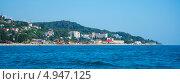 Купить «Вид с моря на курортный поселок Лоо, Сочи», эксклюзивное фото № 4947125, снято 10 августа 2013 г. (c) Игорь Архипов / Фотобанк Лори