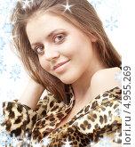 Купить «Девушка в платье леопардовой расцветки», фото № 4955269, снято 17 ноября 2007 г. (c) Syda Productions / Фотобанк Лори