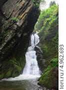 Водопады горного Алтая (2013 год). Редакционное фото, фотограф Виктор Храмов / Фотобанк Лори