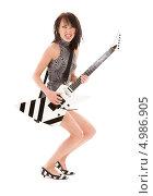 Купить «Эмоциональная девушка с электрогитарой», фото № 4986905, снято 9 февраля 2009 г. (c) Syda Productions / Фотобанк Лори