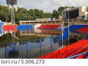 Купить «Хабаровск. Затопленный стадион.», фото № 5006273, снято 1 сентября 2013 г. (c) Петроченко Мария Петровна / Фотобанк Лори