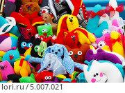 Купить «Самодельная мягкая игрушка», эксклюзивное фото № 5007021, снято 31 августа 2013 г. (c) Евгений Мухортов / Фотобанк Лори