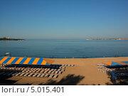 Утренний пляж. Стоковое фото, фотограф Евгений Волвенко / Фотобанк Лори