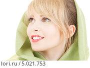 Купить «Красивая девушка с зеленой шалью на волосах», фото № 5021753, снято 7 марта 2009 г. (c) Syda Productions / Фотобанк Лори