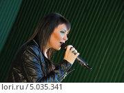 Купить «Певица Света», эксклюзивное фото № 5035341, снято 7 сентября 2013 г. (c) Вероника / Фотобанк Лори