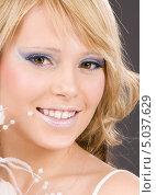 Купить «Красивая девушка со светлыми волосами крупным планом», фото № 5037629, снято 9 декабря 2008 г. (c) Syda Productions / Фотобанк Лори