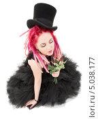 Купить «Неформальная девушка с розовыми волосами», фото № 5038177, снято 15 ноября 2008 г. (c) Syda Productions / Фотобанк Лори